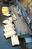 Tretboote in prag — Stockfoto