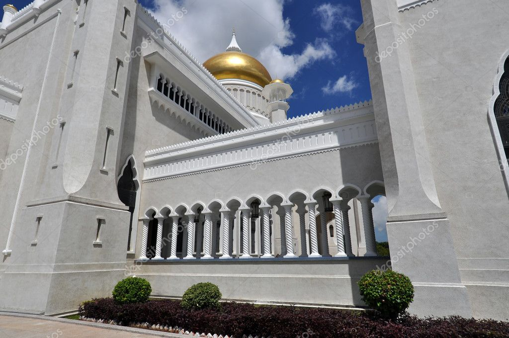 Mosque in Bandar Seri Begawan, the capital of Brunei. — Stock Photo #6693782