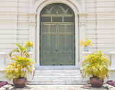 Old door in thailand located in Grand Palace — Stock Photo