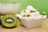 Colazione con kiwi — Stock Photo