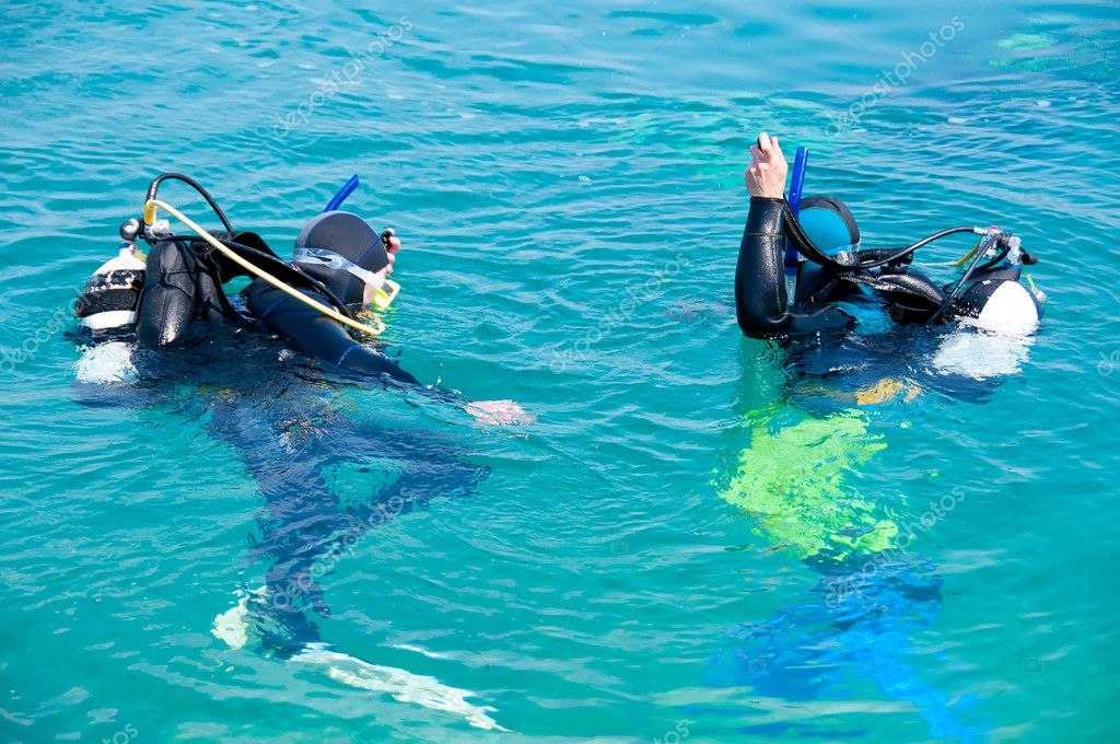 Two Divers training before the dive — Stock Photo #6529677