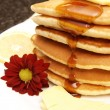 Stack of flapjacks with syrup — Stock Photo