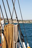 Touwen op een schip varen — Stockfoto