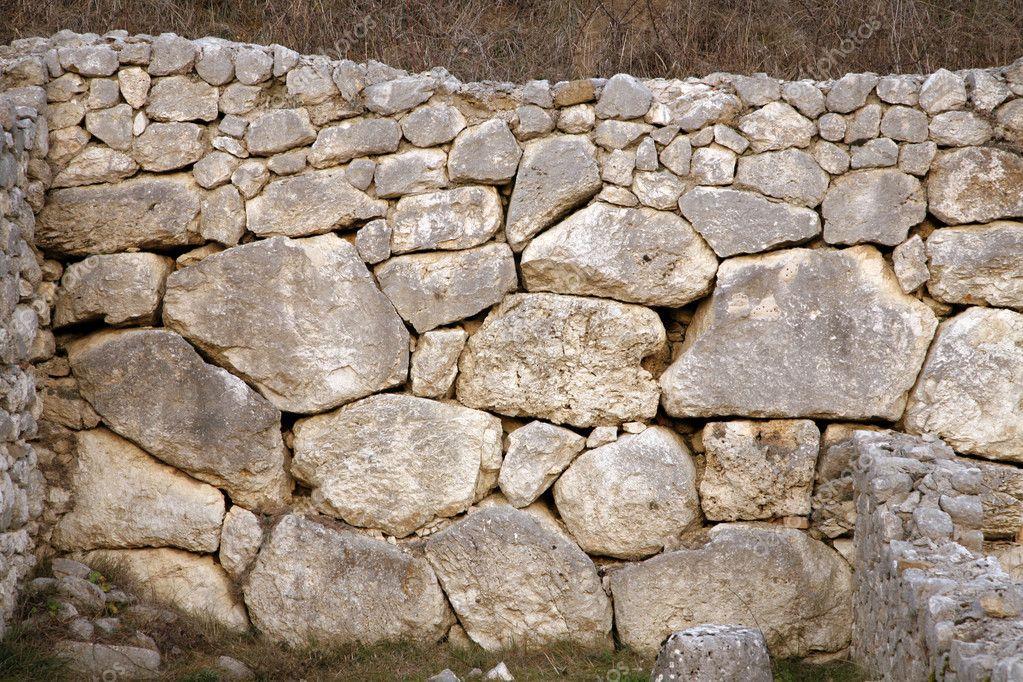 Especially ancient Roman walls - Alba Fucens - Aquila - Italy — Stock Photo ©...