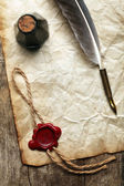 Blank paper with wax seal, quill & ink — Stockfoto