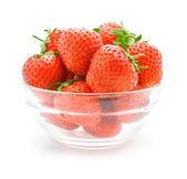 Cam vazoda kırmızı çilek meyve — Stok fotoğraf