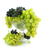 Cluster of green and blue grape isolated on white — Stock Photo