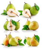 Set fresh pear fruits with green leaf — Stock Photo