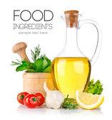 Conjunto de ingredientes e especiarias para cozinhar alimentos — Foto Stock