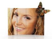 Kvinnorna i ramen och fjäril — Stockfoto