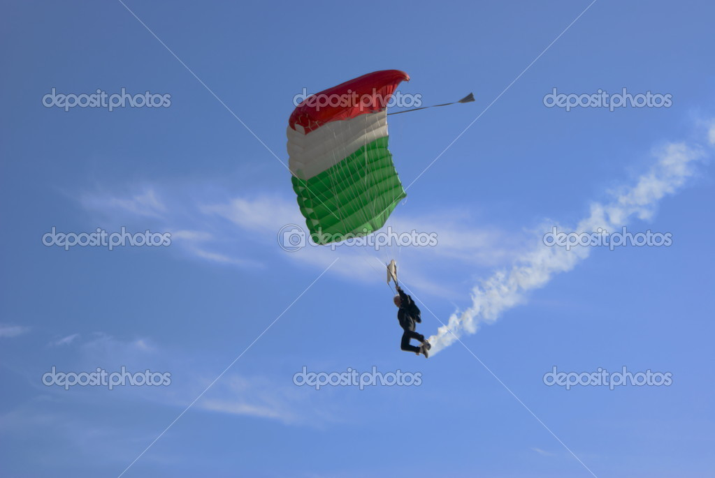 Italian skydiver in flight — Stock Photo #6724467