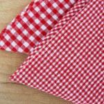 Checkered tablecloth — Stock Photo #6606590