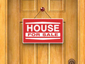 House for sale sign on door, real estate, advertisement — Stockfoto