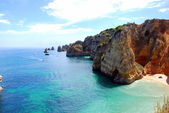 Cliffs at the Dona Ana beach, Algarve coast in Portugal — Stock Photo