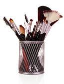 Cepillos de cosméticos en blanco — Foto de Stock