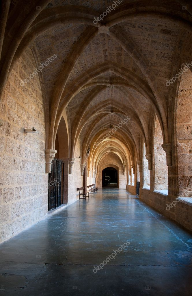 Inner cloister at the Monasterio de Piedra, Zaragoza, Spain. — Stock Photo #6731133
