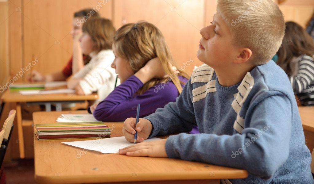 оставляют ли на второй год в 9 классе