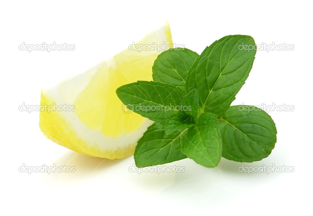 Juicy lemon with fresh mint