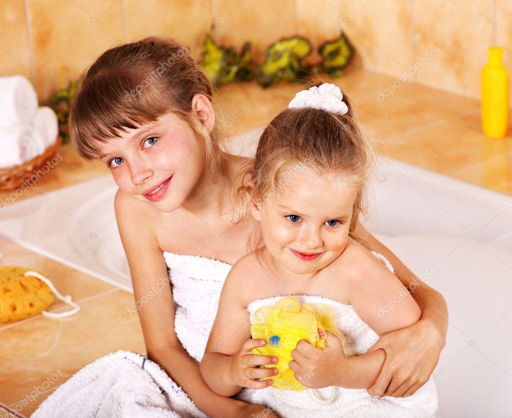 Я была с братом в ванной, В ванне с сестрой- читать бесплатно порно рассказы 25 фотография