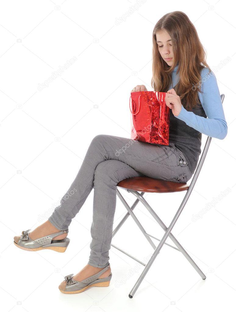 Девушка на мешке