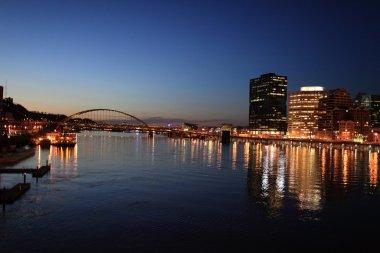 Pittsburgh skyline from bridge