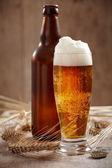 sklenici piva