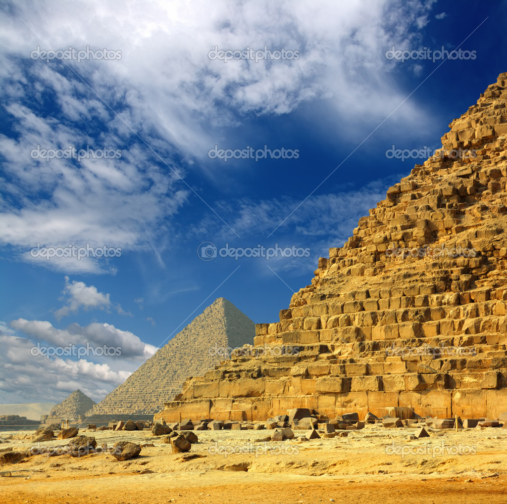 pyramids at giza essay Even in their original glory, the largest maya pyramids were dwarfed by the colossal egyptian pyramids built at giza and saqqara, although some of the maya pyramids were comparable in size to the smaller pyramids built by the egyptian pharaohs of the twelfth dynasty and the thirteenth dynasty (1991-1650 bc.