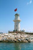 Fotografie maják v přístavu. Turecko, alanya. slunečné počasí