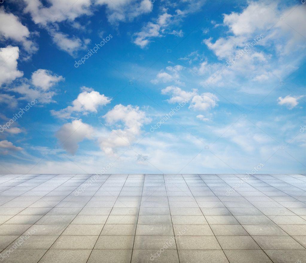 Grey floor and sky