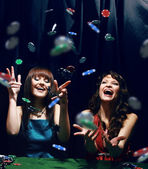 mladí mají dobrý čas v kasinu