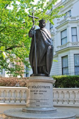 Modern statue of Volodymyr the Great in London