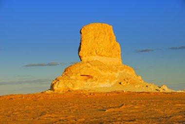 Sahara, the cliff in the desert