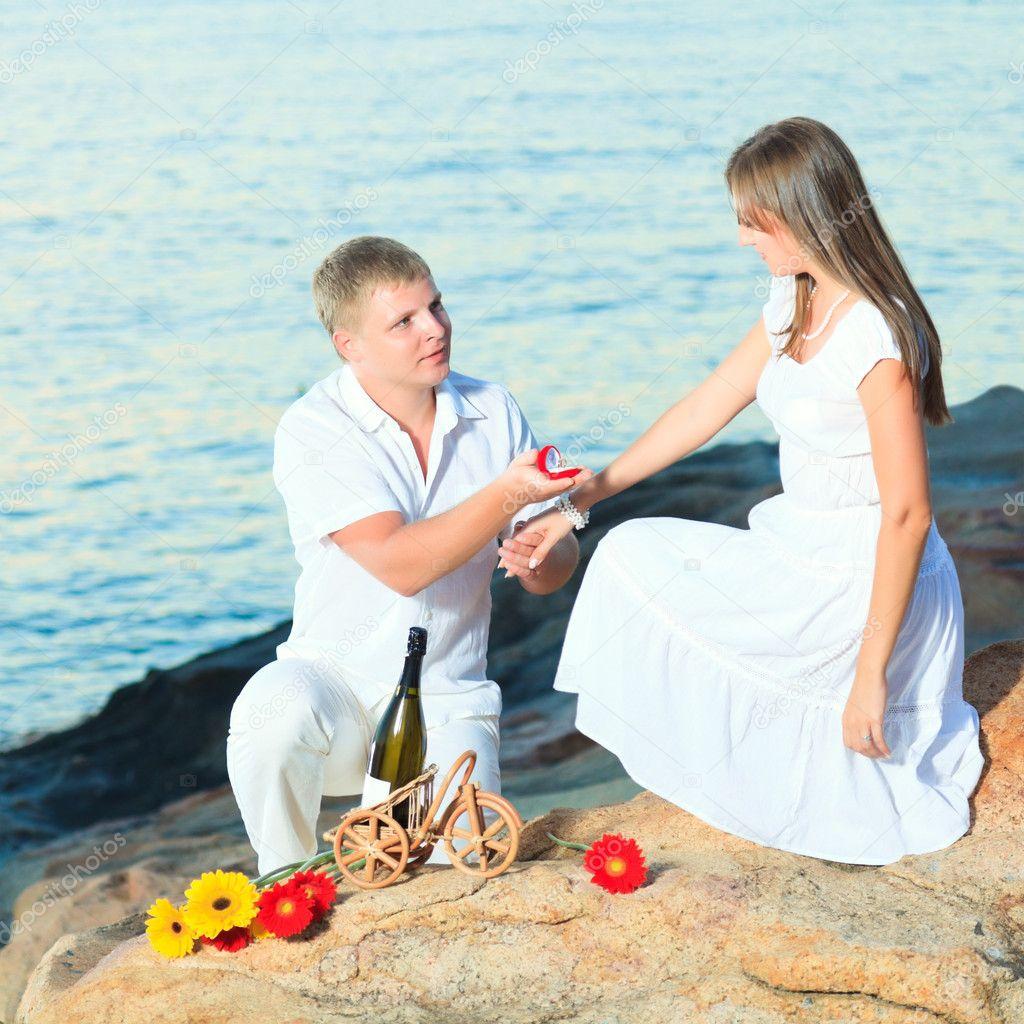 Heiratsantrag ohne Datierung Online-Dating-Frauenerfahrung