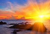 trópusi színes naplemente