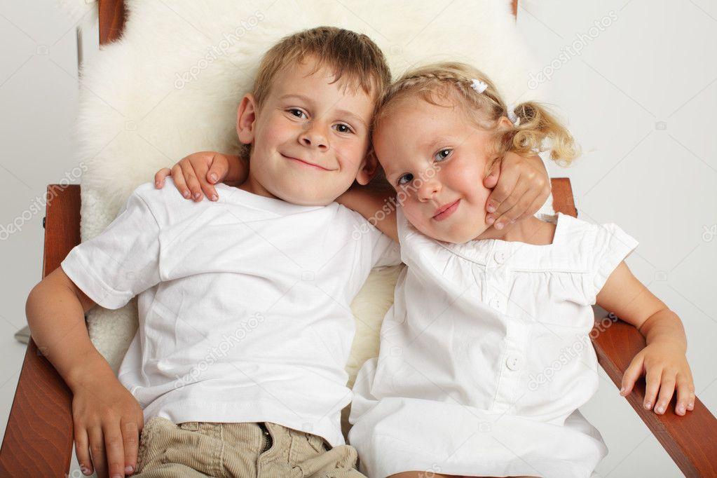 Брат с сестрой трахаются порно фото
