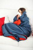 Fiatal nő otthon birtoklás influenza