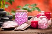 Fotografie lázně dodávky - aromaterapie růžové minerálů a kamenů