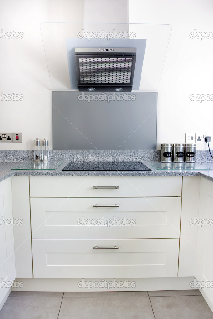 Ventola di cottura e cappa cucina moderna — Foto Stock ...