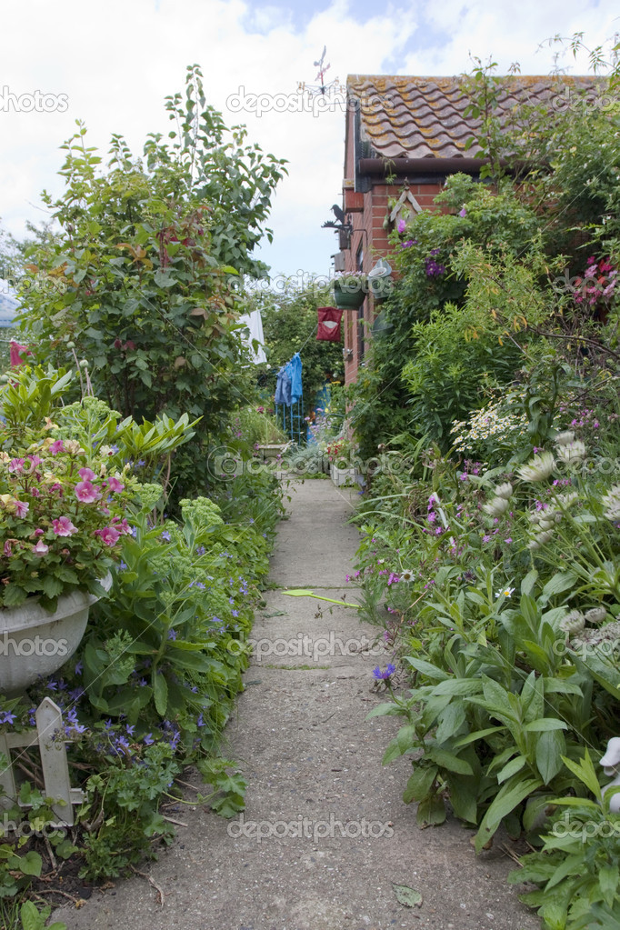 Pictures Cottage Garden Paths Garden Path To A Country Cottage