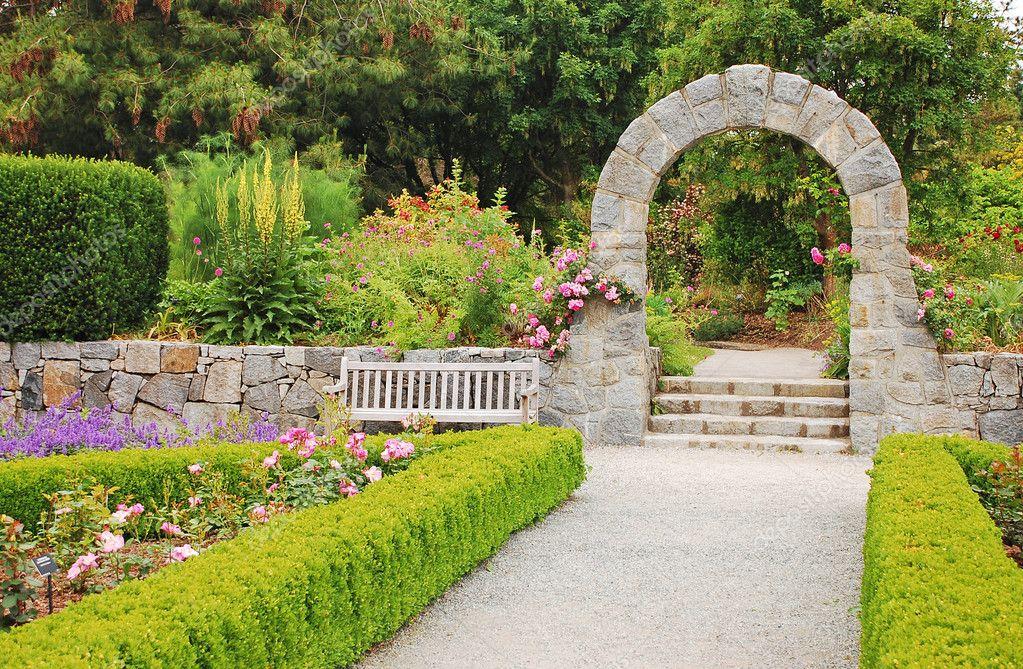 Garten Torbogen Stockfoto Montana 5996409