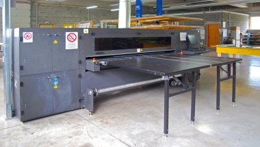Digital printing (UV Ray) - wide format