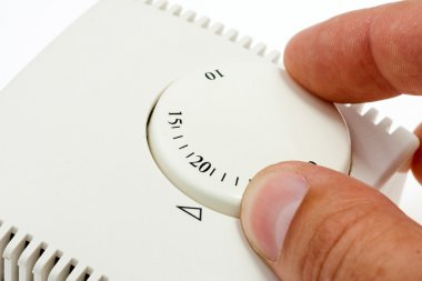 Hand setting room thermostat