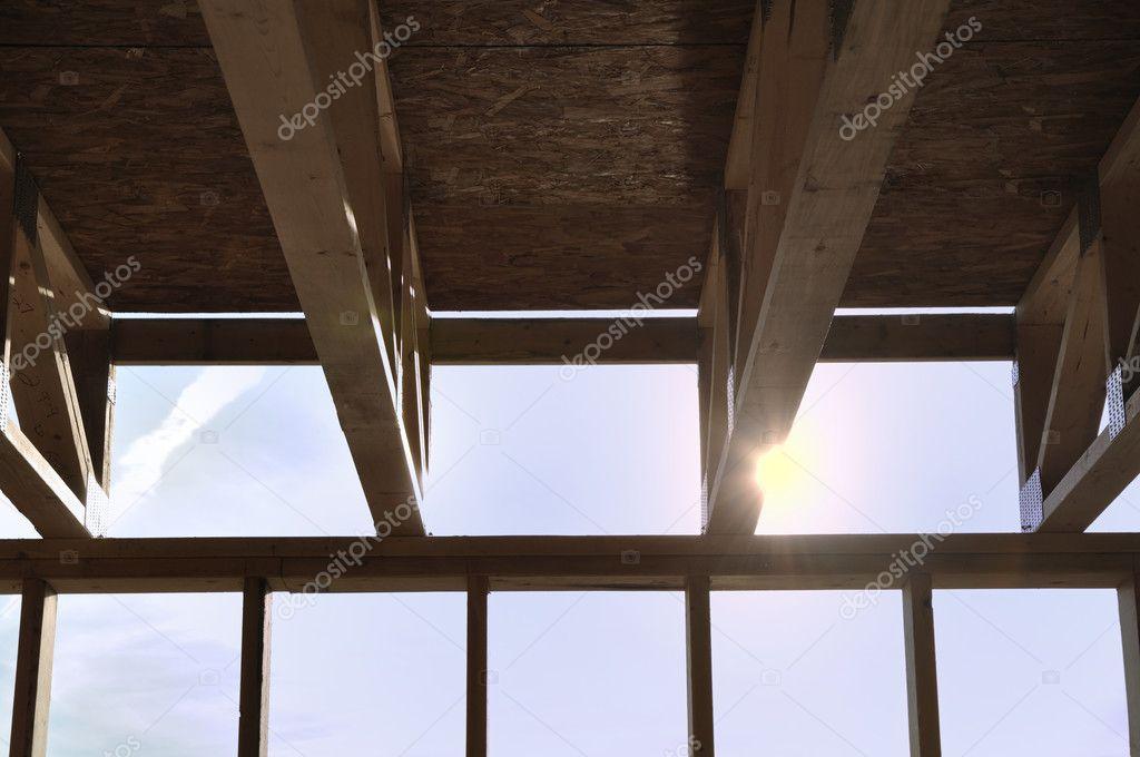 cerchas encima de sótano — Foto de stock © herreid #6053368