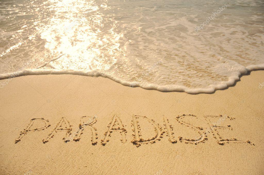 Palabras Escritas En La Arena De La: Escrito En La Arena En Playa Paraíso