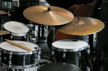 Drums percussion