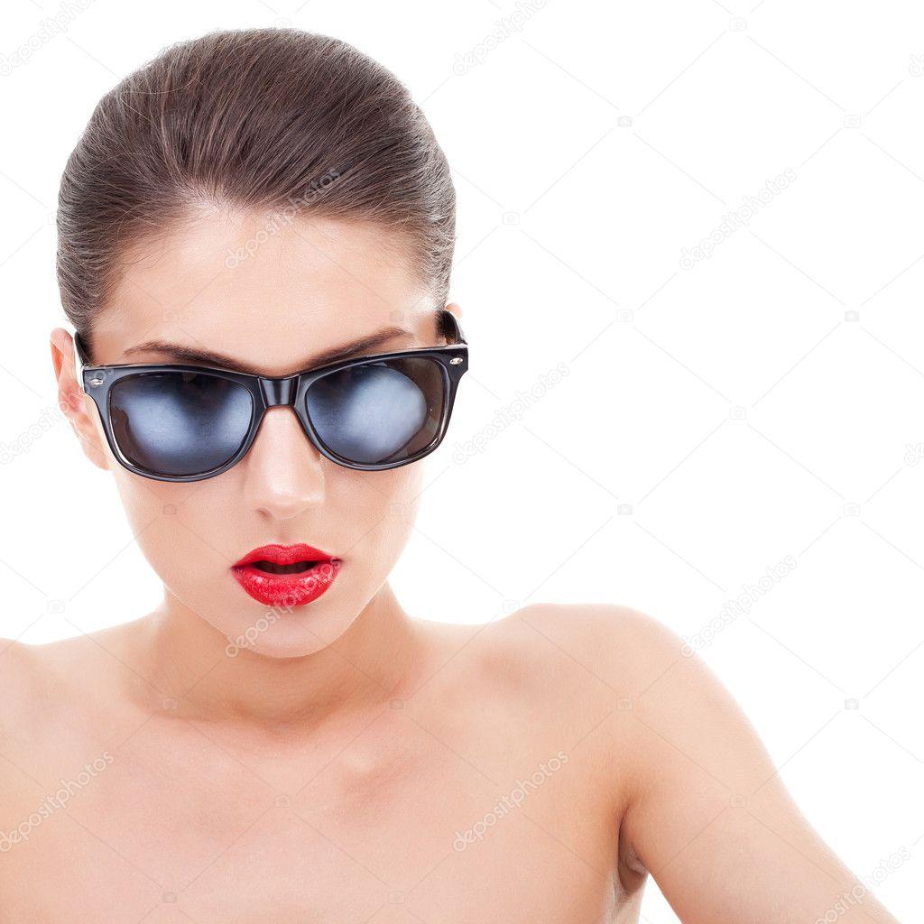 жінка носити сонцезахисні окуляри — Стокове фото — Красивий ... 05ebc14342a3f