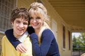 mladý bělošský pár