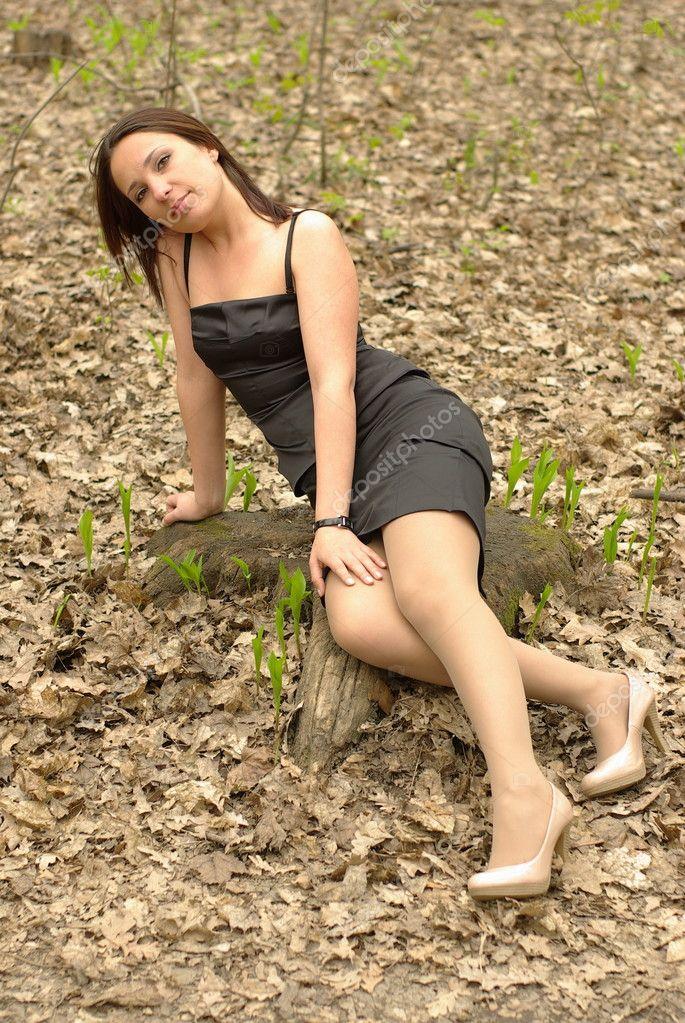 Голая мама в лесу фото