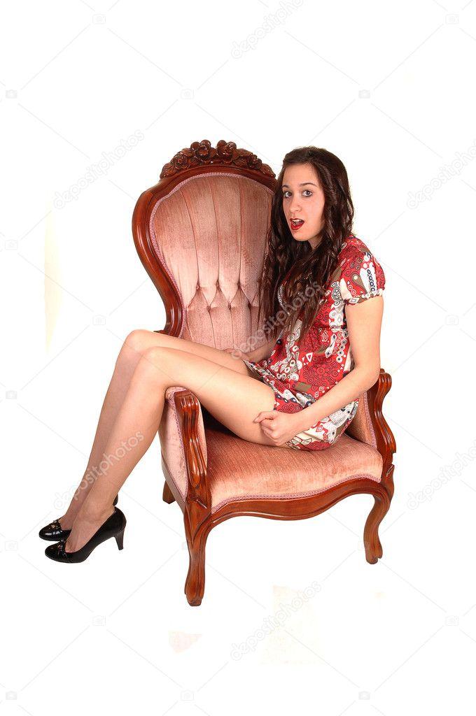 Интересная Девушка Показала Письку Своему Другу Сидя В Кресле