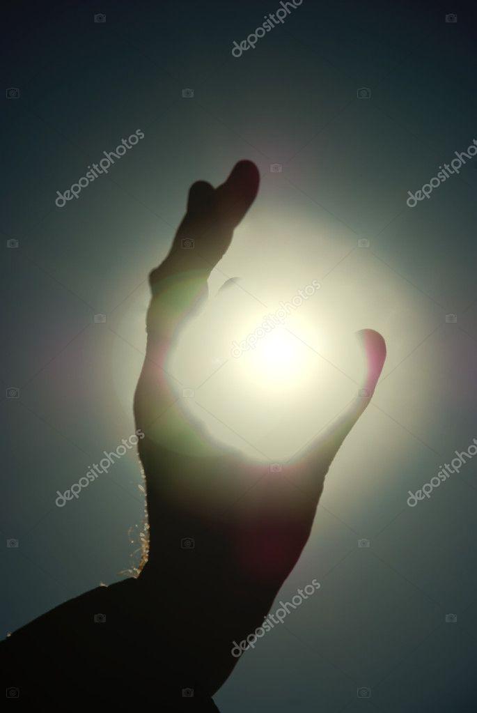можете фото человека держащего солнце секрет разработку документации ремонту